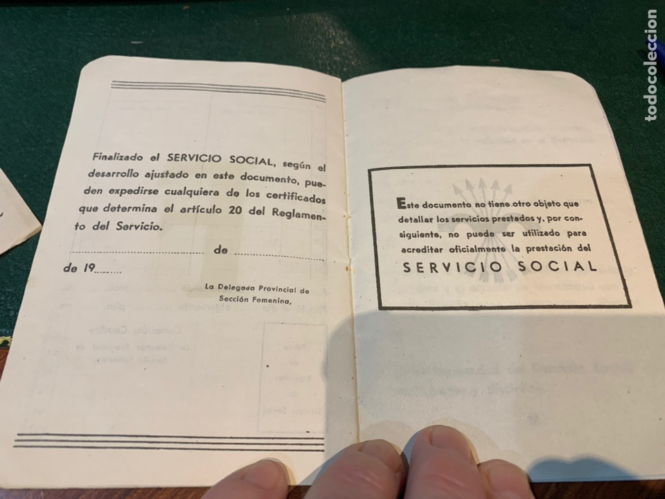 Militaria: Cartilla y distintivo Servicio Social de la Mujer 1948 - Foto 11 - 226215390