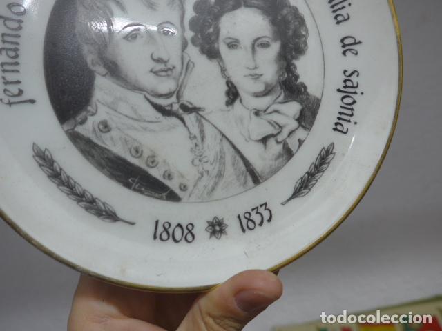 Militaria: Antiguo plato de porcelana de rey fernando VII y josefa amalia de sajonia - Foto 2 - 235193555