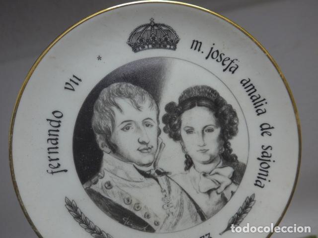 Militaria: Antiguo plato de porcelana de rey fernando VII y josefa amalia de sajonia - Foto 3 - 235193555