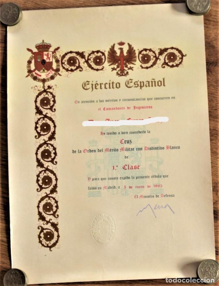 CONCESIÓN CRUZ DE LA ORDEN DEL MÉRITO MILITAR CON DISTINTIVO BLANCO 1ª CLASE AÑO 1983 (Militar - Propaganda y Documentos)