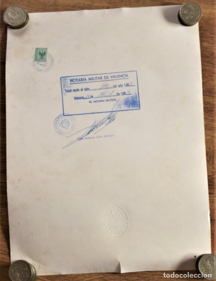 Militaria: CONCESIÓN CRUZ DE LA ORDEN DEL MÉRITO MILITAR CON DISTINTIVO BLANCO 1ª CLASE AÑO 1983 - Foto 2 - 237798385