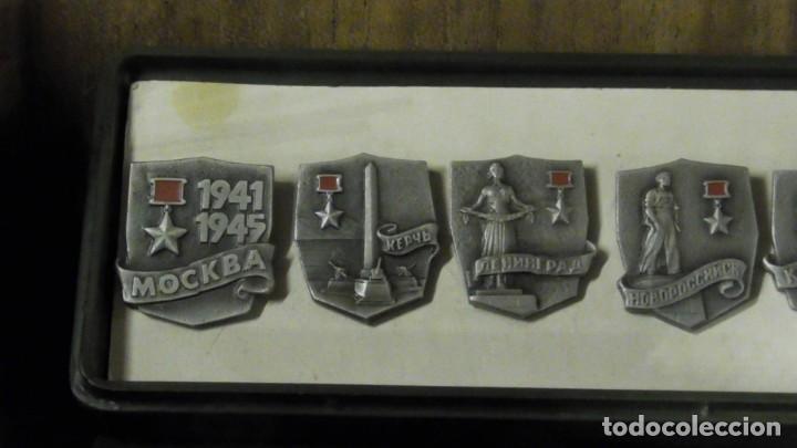 Militaria: Un conjunto de 11 insignias - la ciudad de los Héroes / URSS - de Rusia / Unión Soviética 1977 - Foto 2 - 240471720