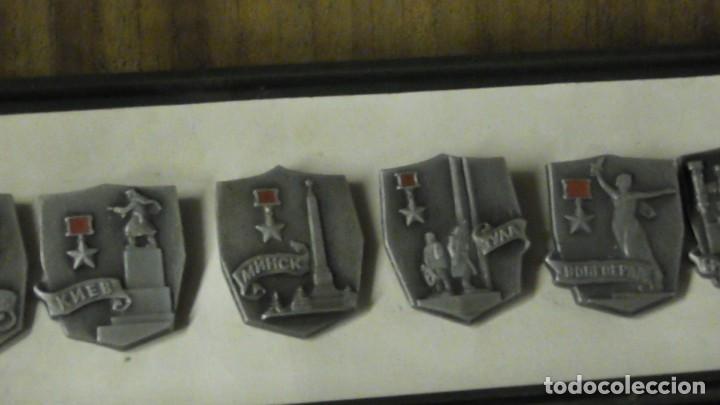 Militaria: Un conjunto de 11 insignias - la ciudad de los Héroes / URSS - de Rusia / Unión Soviética 1977 - Foto 3 - 240471720