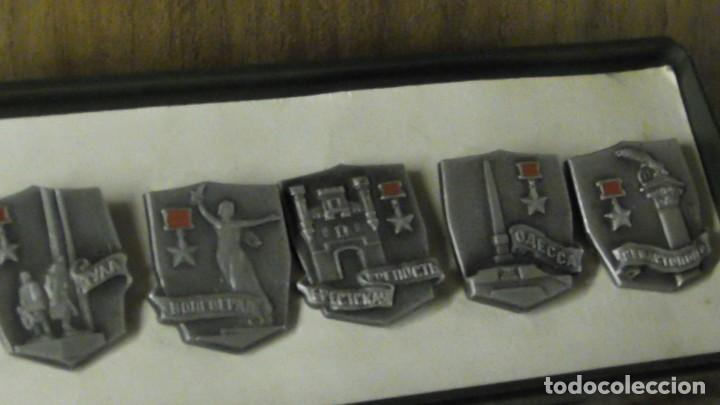 Militaria: Un conjunto de 11 insignias - la ciudad de los Héroes / URSS - de Rusia / Unión Soviética 1977 - Foto 4 - 240471720