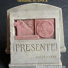 Militaria: (JX-210261)ESCULTURA ¡PRESENTE ! MCMXXXVI,FALANGE ESPAÑOLA,JOSE ANTONIO PRIMO DE RIVEVERA.. Lote 244789935