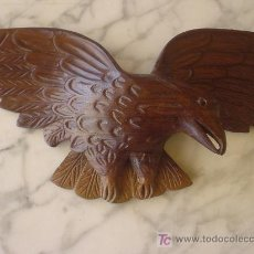 Militaria: AGUILA TALLADA EN MADERA. AGUILA CARVED IN WOOD. . Lote 26758225