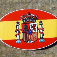 Militaria: PEGATINA BANDERA ESPAÑA CON ESCUDO, 12,5 X 8 CM.. Lote 18076932