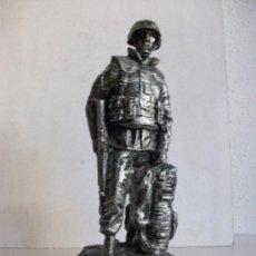 Militaria: FIGURA CONMEMORATIVA CONTINGENTE ESPAÑOL, MISION DE LA OTAN : KOSOVO, BOSNIA.... Lote 35192446