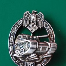 Militaria: INSIGNIA PANZER ASALTO 25 EN EL FRENTE 3º REICH. Lote 36330471