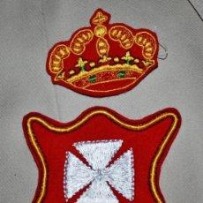 Militaria: ESCUDO Y CORONA BORDADOS DE NUESTRA SEÑORA DE LA MERCED.19 CM X 10CM. Lote 241298195