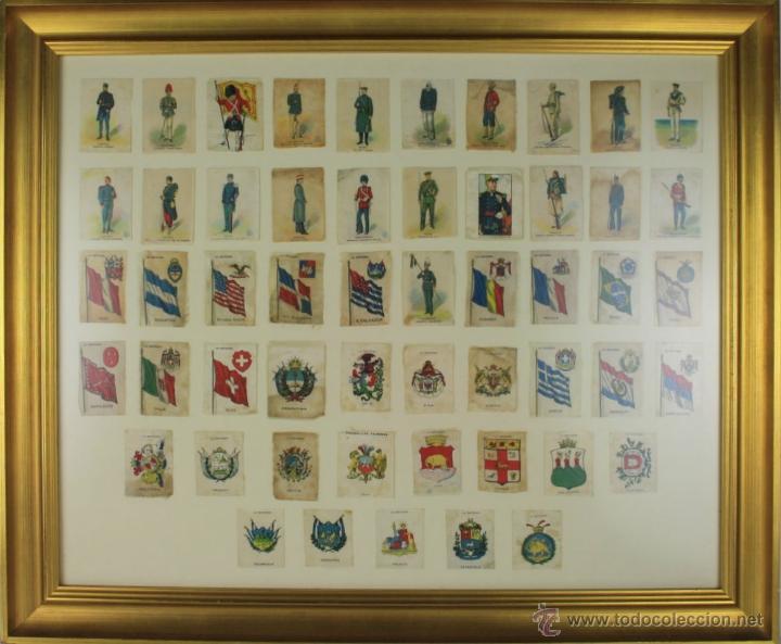 K3-023. COMPOSICION DE SOLDADOS, BANDERAS Y ESCUDOS DE SALA IMPRESO EN SEDA. PRINC S XX. (Militar - Reproducciones, Réplicas y Objetos Decorativos)