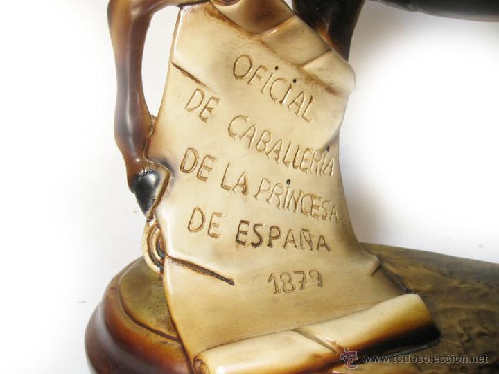 Militaria: ESTATUA DE UN OFICIAL DE CABALLERIA DEL REGIMIENTO DE HUSARES DE LA PRINCESA - AÑOS 50 - Foto 4 - 43121037