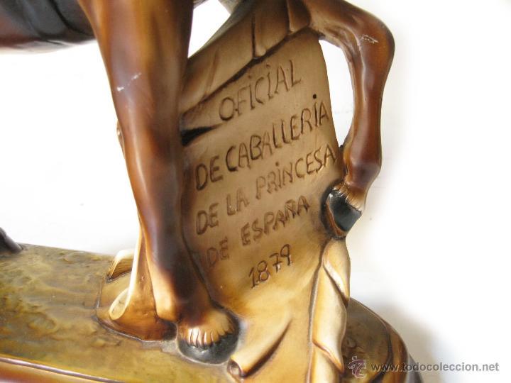 Militaria: ESTATUA DE UN OFICIAL DE CABALLERIA DEL REGIMIENTO DE HUSARES DE LA PRINCESA - AÑOS 50 - Foto 11 - 43121037