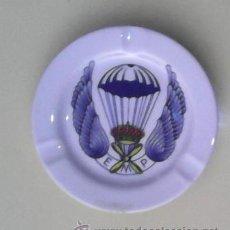 Militaria: CENICERO MILITAR, EMP, ESCUELA MILITAR PARACAIDISTA, AÑOS 80. Lote 43184758