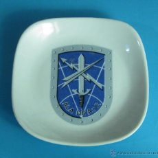 Militaria: CENICERO DE PORCELANA ALA DE A. Y C.. Lote 45534071