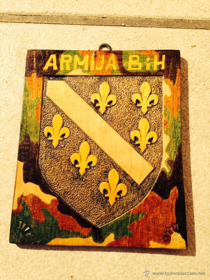 ARTE DE MISIONES. ESCUDO EJÉRCITO ARMIJA BOSNIA Y HERZEGOVINA. (Militar - Reproducciones, Réplicas y Objetos Decorativos)