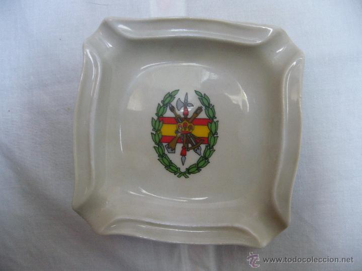 CENICERO DE PORCELANA DE LA LEGIÓN ESPAÑOLA (Militar - Reproducciones, Réplicas y Objetos Decorativos)