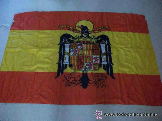 BANDERA DE ESPAÑA NACIONAL , ESCUDO DEL AGUILA DE SAN JUAN DE FRANCO.. 90 X 140 CM (Militar - Reproducciones, Réplicas y Objetos Decorativos)