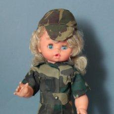 Militaria: 1 MUÑECA CON UNIFORME BOSCOSO AÑOS 80-90, RECUERDO TÍPICO DE LA MILI, 44 CM.. Lote 56917193