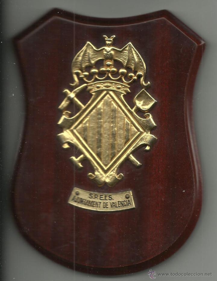 METOPA DE LOS BOMBEROS S.P.E.I.S DE VALENCIA DE 15,5 X 11,5 CM. (Militar - Reproducciones, Réplicas y Objetos Decorativos)