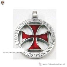 Militaria: MEDALLON TEMPLARIO CRUZ DE LOS CABALLEROS TEMPLARIOS + CORDON. 4 CMS. Lote 276925733