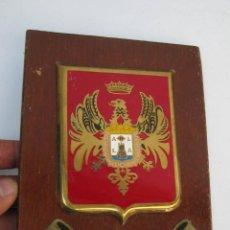 Militaria: PLACA ANTIGUA EN METOPA CENTRO DE INSTRUCCION DE RECLUTAS Nº 8 ALICANTE. Lote 56862125