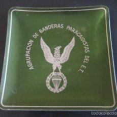 Militaria: AGRUPACION DE BANDERAS PARACAIDISTAS DEL EJERCITO DE TIERRA. CENICERO ALUMINIO AÑOS 60. Lote 59075720