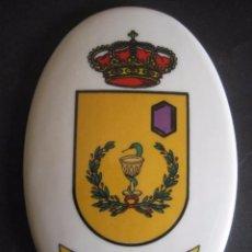 Militaria: MEDALLON DE PORCELANA PARQUE CENTRAL DE FARMACIA. Lote 84570364