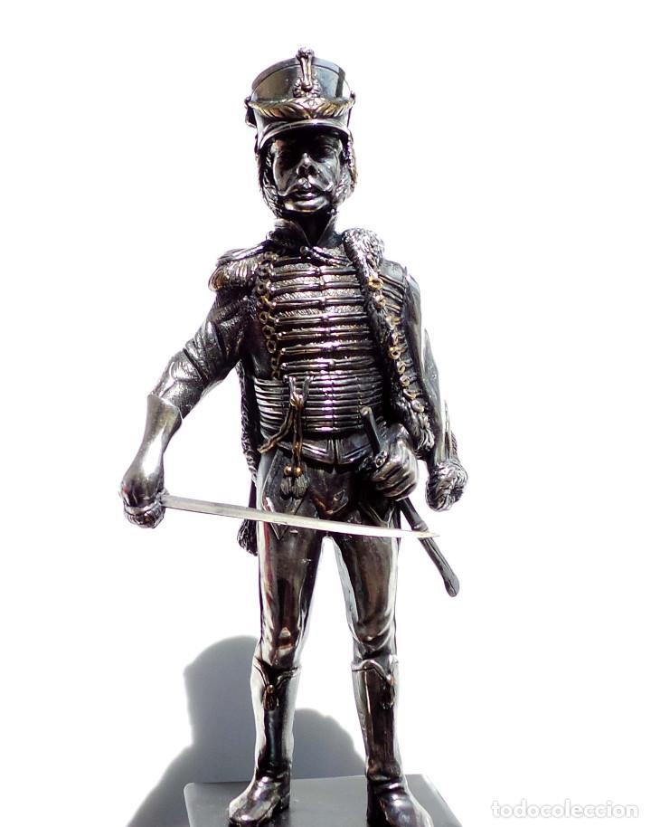 Militaria: PRECIOSA FIGURA EN PLATA DE LEY HUSAR DE CABALLERÍA. S.XIX - 25 ALTO X 8 CM ANCHO PESO 460 GRAMOS - Foto 4 - 90638950
