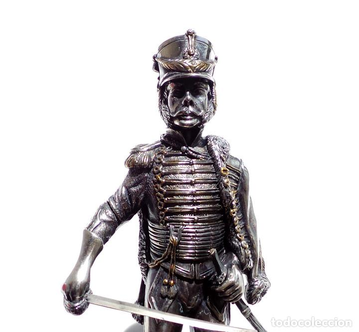 Militaria: PRECIOSA FIGURA EN PLATA DE LEY HUSAR DE CABALLERÍA. S.XIX - 25 ALTO X 8 CM ANCHO PESO 460 GRAMOS - Foto 8 - 90638950