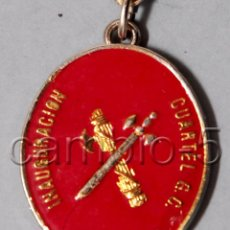 Militaria: 1 LLAVERO DE INAUGURACIÓN DEL CUARTEL DE LA GUARDIA CIVIL EN SANTOMERA 1985. Lote 90894495
