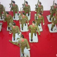 Militaria: 12 SOLDADOS PARAQUIDITAS. Lote 92221829