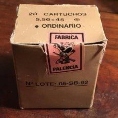 Militaria: CAJA ORIGINAL DE MUNICION ( PARA20 CARTUHOS 5,56 X 45 ) SANTA BARBARA. Lote 96707339