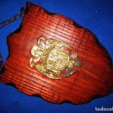 Militaria: ANTIGUA METOPA ESCUDO BRONCE ÁGUILA DE SAN JUAN. ÉPOCA FRANCO. PROCEDENCIA SÁHARA ESPAÑOL (1975-76). Lote 99196399