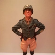 Militaria: FIGURA RESINA GENERAL GEORGE PATTON,CON SU REVOLVER COLT,JEFE CARROS DE COMBATE-TANQUES,OVERLORD IIW. Lote 103532159