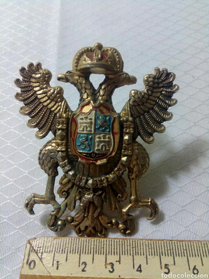 ÁGUILA BICEFALA. TOLEDO. ESCUDO DE BRONCE DORADO. (Militar - Reproducciones, Réplicas y Objetos Decorativos)