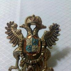 Militaria: ÁGUILA BICEFALA. TOLEDO. ESCUDO DE BRONCE DORADO.. Lote 125156075