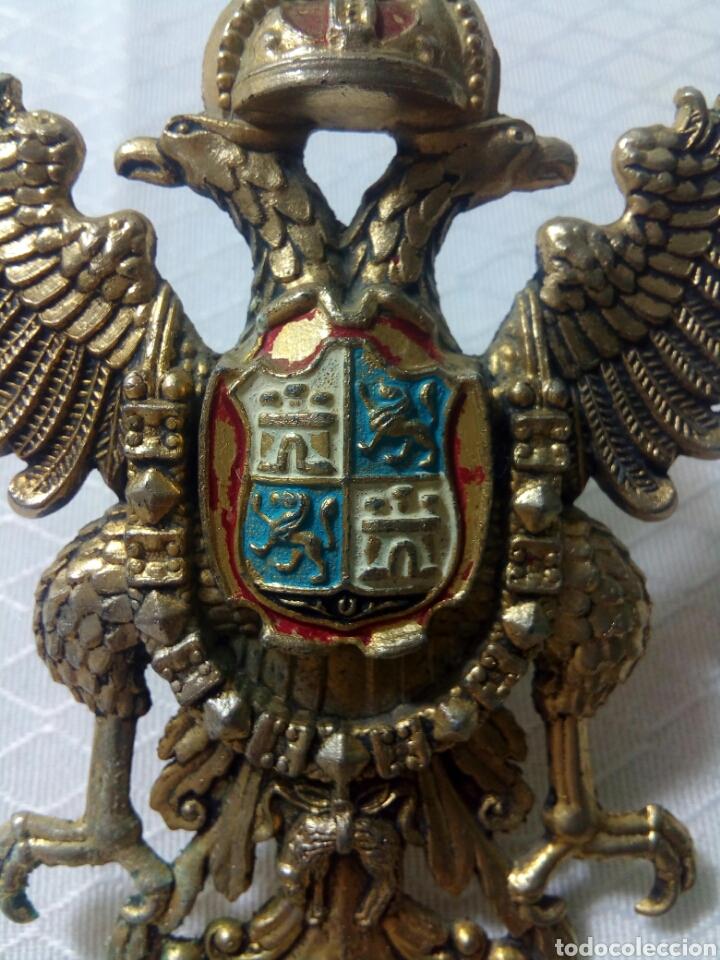 Militaria: Águila bicefala. Toledo. Escudo de bronce dorado. - Foto 2 - 125156075