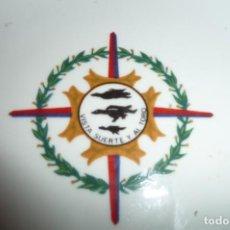 Militaria: CENICERO PORCELANA, AVIACION,VISTA SUERTE Y AL TORO,LAUREADA ALA 11. CERAMICAS CARTAGENA, 16 CMS.. Lote 126467179