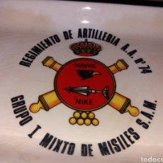 Militaria: ANTIGUO CENICERO REGIMIENTO DE ARTILLERÍA A.A. Nº 74 - GRUPO I MIXTO DE MISILES S.A.M.. Lote 131657665