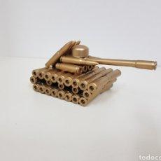 Militaria: TANQUE HECHO CON BALAS MEDIDAS 17 X 8 CM. Lote 131796007