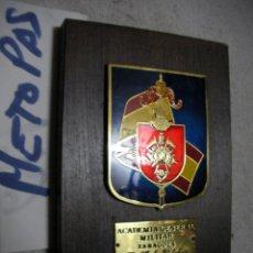 Militaria: ANTIGUA METOPA MILITAR - ACADEMIA GENERAL MILITAR ZARAGOZA. Lote 134065142
