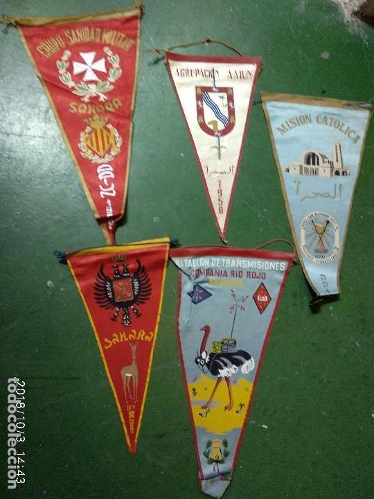 LOTE DE BANDERINES DEL SAHARA AAIUN, LEGION, IGLESIA TRANSMISIONES, SANIDAD. ETC....... (Militar - Reproducciones, Réplicas y Objetos Decorativos)