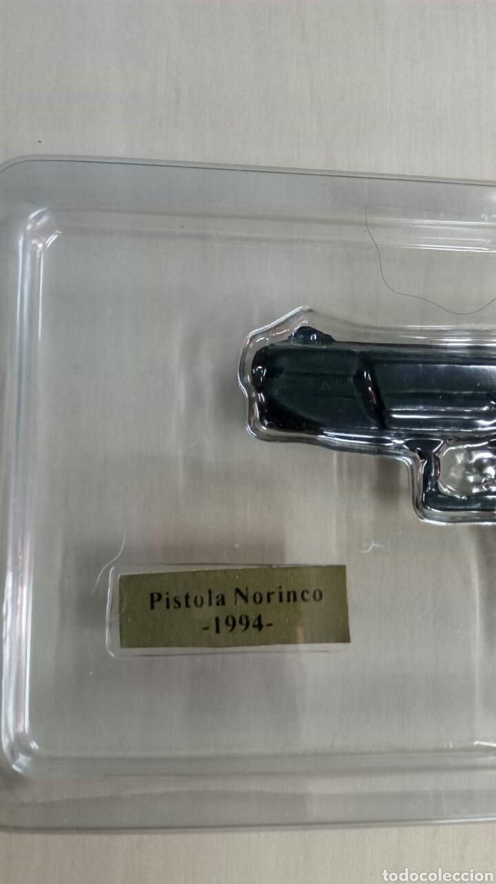 Militaria: Miniatura replica pistola Nirinco 1994 - Foto 2 - 137421372
