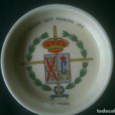 Militaria: CENICERO PORCELANA REGIMIENTO INFANTERIA PRINCIPE Nº3 EL OSADO. Lote 139765062