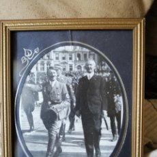 Militaria: COPIA DE FOTO DE HITLER IGNORO QUIEN ES EL ACOMPAÑANTE. ENVÍO GRATIS. Lote 140392577