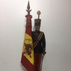 Militaria: SOLDADO DE RESINA U OTRO MATERIAL PARECIDO(MARTIN VITADES). Lote 140513764