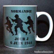 Militaria: TAZA MUG PORCELANA - NORMANDIA DIA D (INFANTERIA). Lote 38632853
