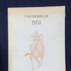 Militaria: CARPETA CON 22 LAMINAS GRAN FORMATO UNIFORMES DE PAVIA 1684 1971. Lote 148204754