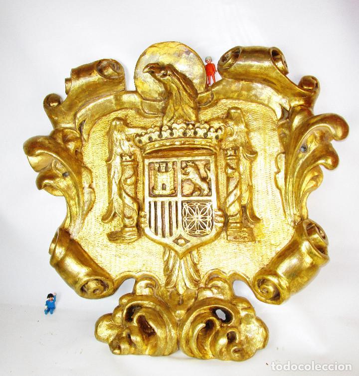 BESTIAL 88X70 ESCUDO ESPAÑA AGUILA FRANQUISTA ORIGINAL CAPITANÍA FRANCO MADERA ORO (Militar - Reproducciones, Réplicas y Objetos Decorativos)